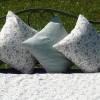 布団の干し過ぎは逆効果かもしれません。ふかふかふとんを長持ちさせる干し方とは。