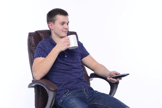 椅子選びでアームレストを考慮しよう